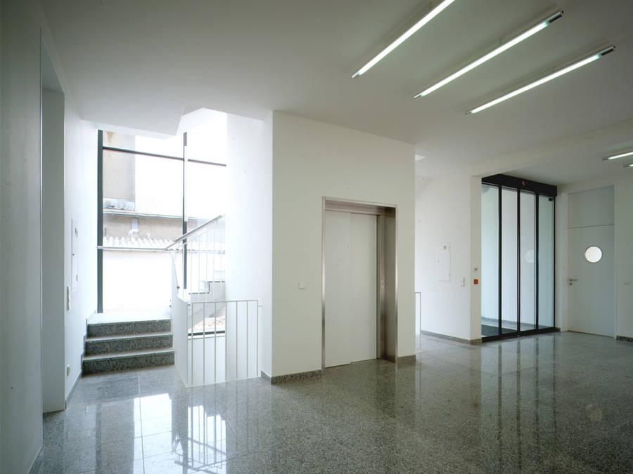 Art Foyer Frankfurt : Bürogebäude brockmann turkali architekten
